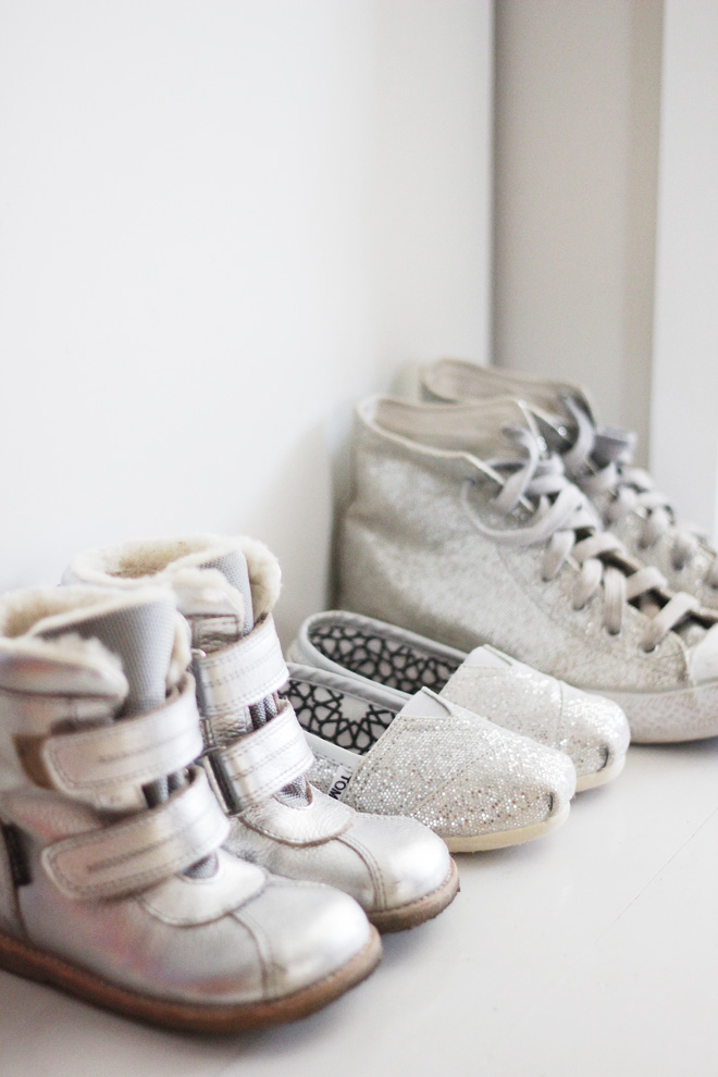 kids_silver_shoes